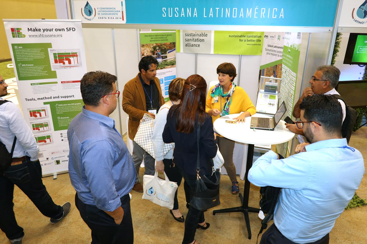 blog-LatinoSAN-SuSanA-Latinoamerican-Stand-visitors